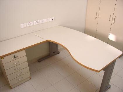 שולחן מזכירה דגם DA