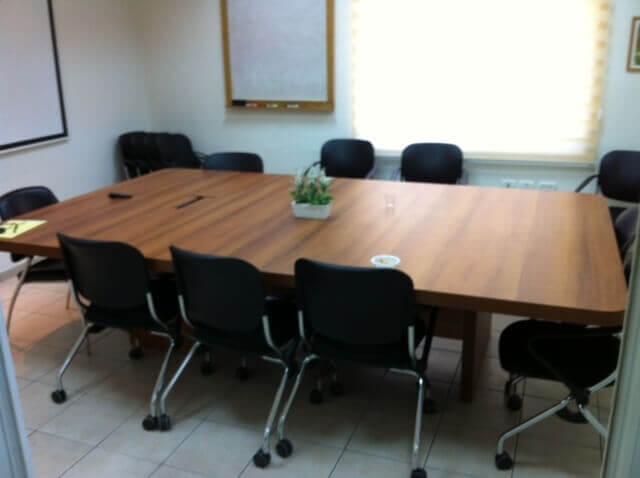 שולחן ישיבות דגם BG