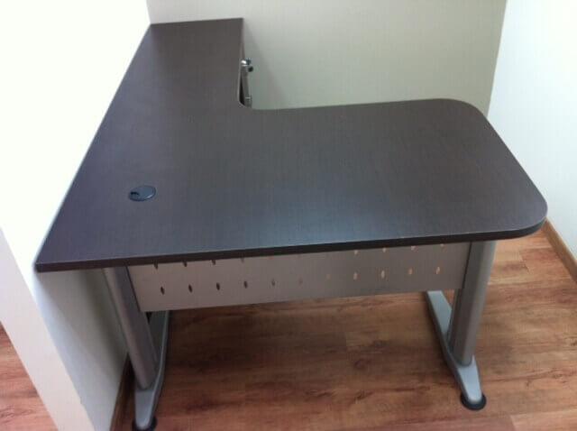 שולחן עבודה דגם CN