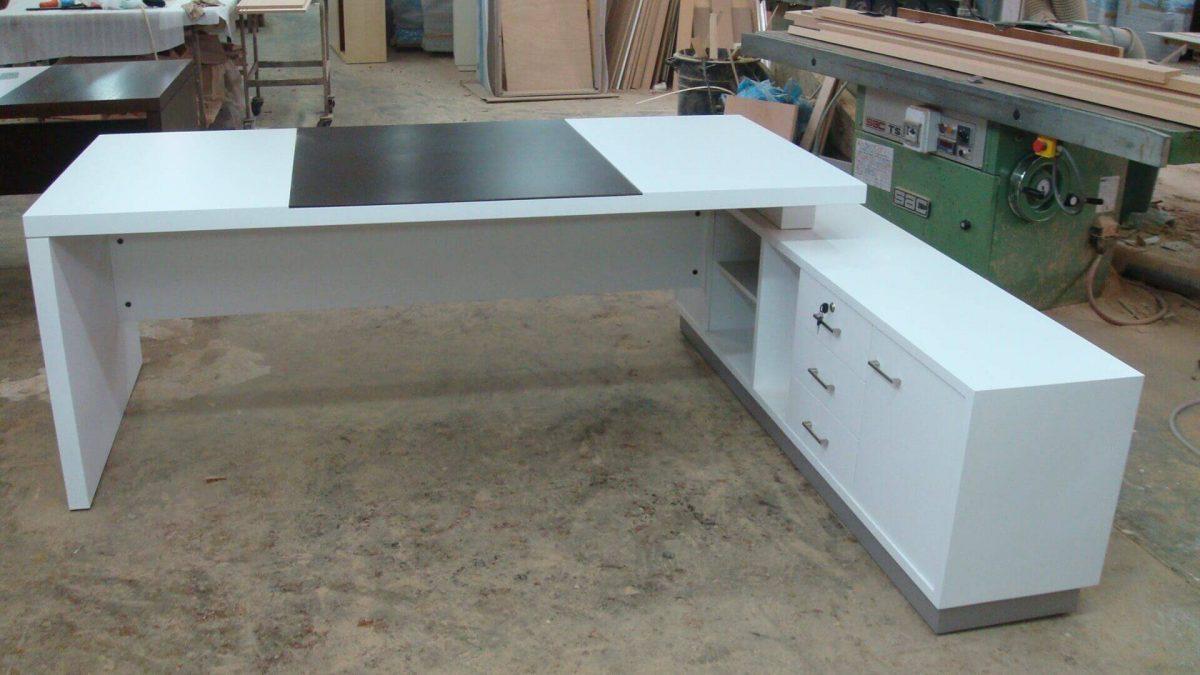 שולחן מנהל דגם 2010