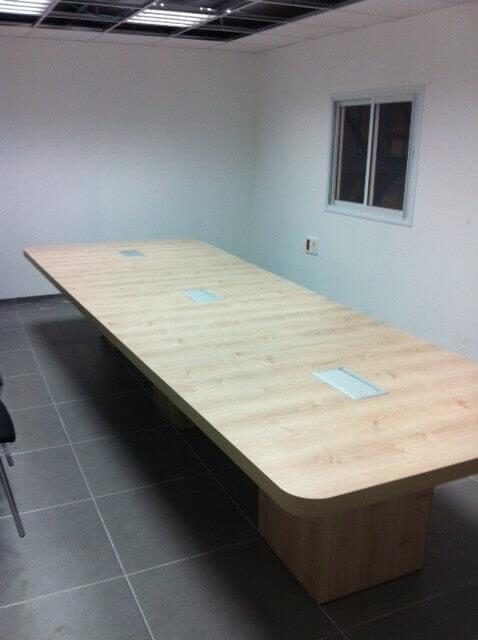 שולחן ישיבות דגם BAH