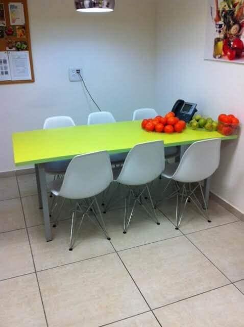 שולחן ישיבות דגם BY